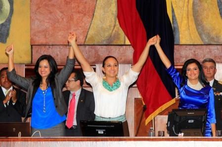 Mujeres-presiden-Asamblea-Ecuador-655x436