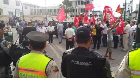policia protesta