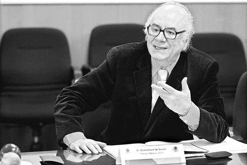 Faltaron reformas políticas de fondo, expresa De Sousa SantosFoto Cristina Rodríguez/archivo la Jornada