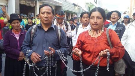 Amable Angamaraca y Luisa Lozano. Foto Resistir es mi derecho