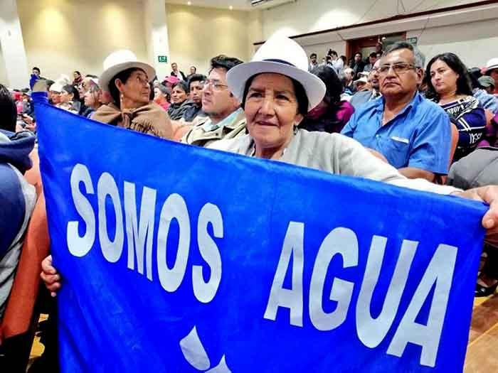 Resultado de imagen para Ecuador: ecos de la consulta de Kimsacocha